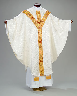 almy-chasuble